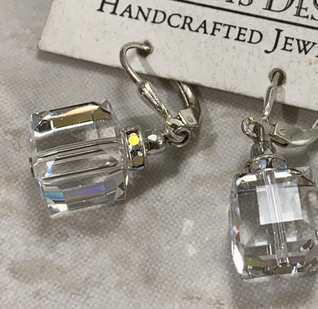 Absolutely, Perfectly Stunning Swarovski Crystal Earrings-