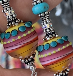 An Exquisitely Artful, Colorfully Unique Lariat Necklace-
